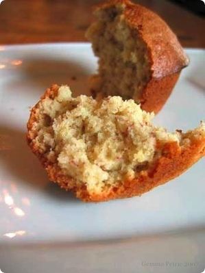 Banana_muffin_interior_2